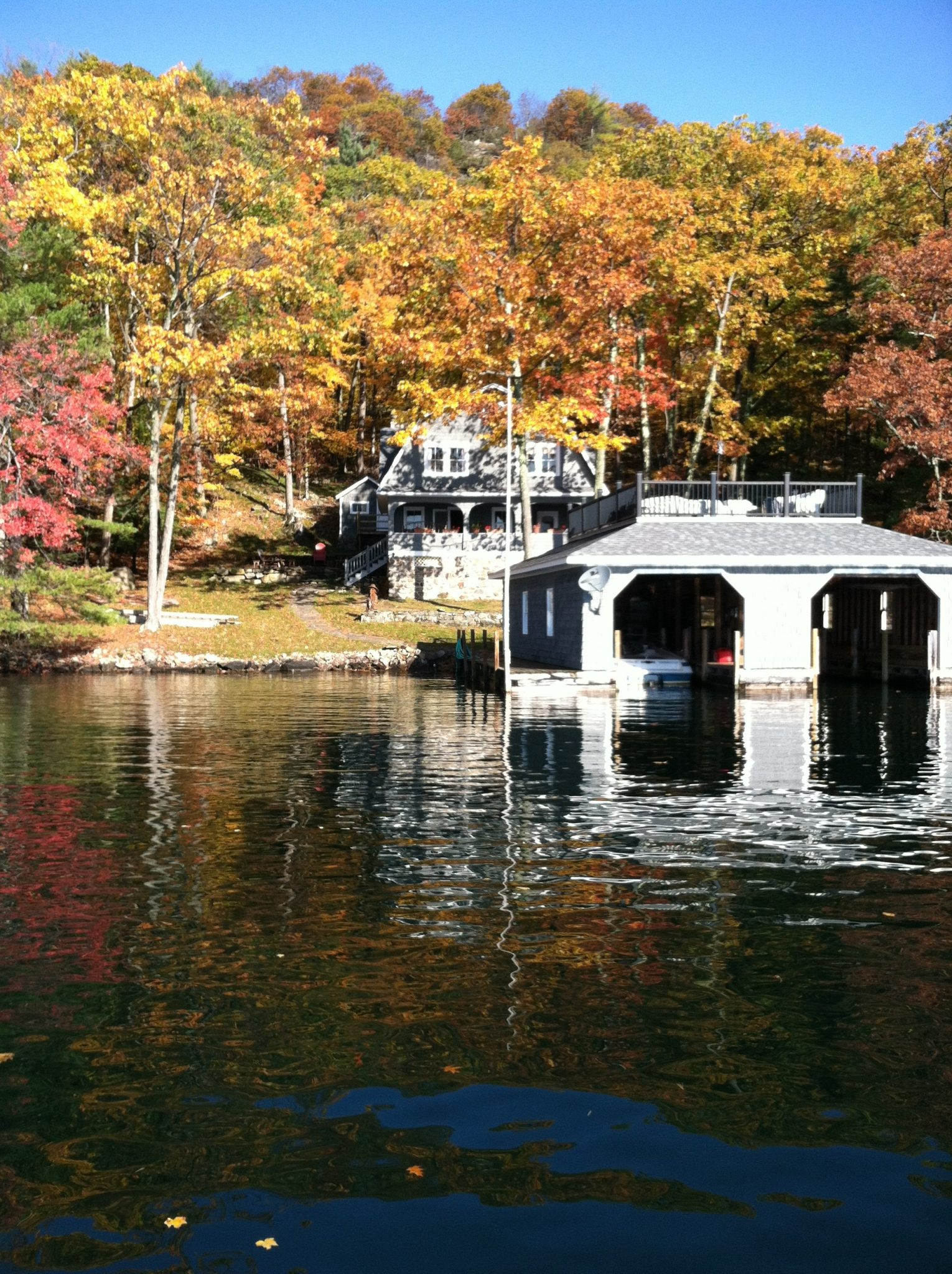 Tongue Mountain Lake House from water