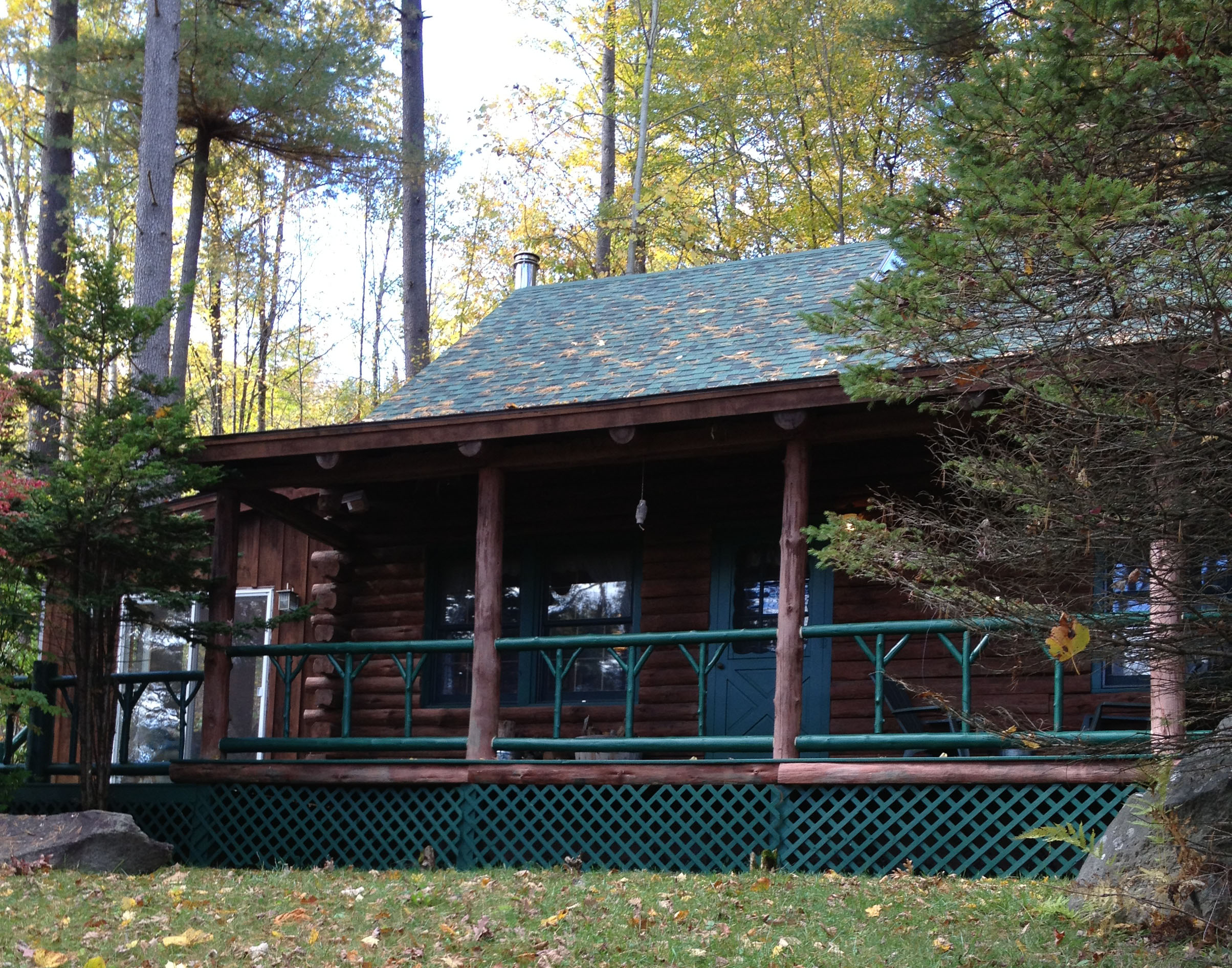 Year Round Rental Lake George Schools Woods front of house